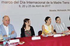 """Con pequeños cambios en nuestros hábitos cotidianos podemos hacer mucho por nuestra madre tierra"""", señaló la diputada Rosalía Miranda, presidenta de la Comisión de Desarrollo Sustentable y Medio Ambiente del ..."""