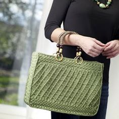 Free Universal Yarn Pattern : Summer Breeze Tote by Edie Eckman- Uses crochet and knitting techniques Knitting Blogs, Knitting Patterns Free, Free Knitting, Crochet Patterns, Free Pattern, Crochet Handbags, Crochet Purses, Crochet Yarn, Universal Yarn