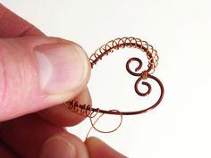 Dekorace - Kraslice se srdíčkem Diy Jewelry, Jewelery, Wire Wrapping, Gold Rings, Charmed, Detail, Bracelets, Jewels, Iron