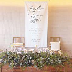 空間全体が華やかになる♡【高砂背景】を可愛くする7つの方法 Miami Wedding Venues, Luxury Wedding Venues, Wedding Reception, Green Wedding, Wedding Flowers, Diy Backdrop, Wedding Planning Checklist, Wedding Table Decorations, Table Flowers