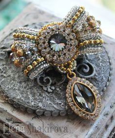 Princess Jewelry, Bead Art, Shibori, Jewelry Crafts, Costume Jewelry, Beads, Creative, Fabrics, Jewellery