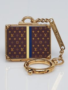 f7008183976c Louis Vuitton Monogram Alzer Bag Charm and Key Holder - Yoogi s Closet  Authentic Louis Vuitton