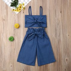 Baby / Toddler Bow Decor Strappy Trendy and Shorts Set Girls Fashion Clothes, Teen Fashion Outfits, Kids Outfits, Girl Fashion, Cute Outfits, Ootd Fashion, Girls Frock Design, Baby Dress Design, Baby Frocks Designs