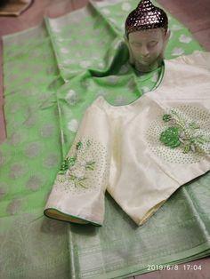 Kota sarees with designer stitched blouse at siri designers. Buy these sarees with blouse at best price. Kota sarees are very light weight sarees Simple Saree Designs, Stylish Blouse Design, Fancy Blouse Designs, Bridal Blouse Designs, Blouse Neck Designs, Blouse Patterns, Lehenga, Kota Sarees, Green Silk