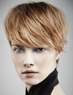 Cool Pixie Haircuts for Oval Faces Is your hairstyle boring? Tired of the same look? Go for bold with a trendy pixie haircut. You will get totally another look Long Face Haircuts, Best Short Haircuts, Popular Haircuts, Short Hairstyles For Women, Straight Hairstyles, Cool Hairstyles, Pixie Haircuts, Gorgeous Hairstyles, Hairstyles 2016