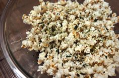 hurricane food ideas Id forgotten about hurricane popcorn, a ridiculously addictive Asian-fusion snack from Hawaii, until I saw the words nori popcorn online recently. Best Survival Food, Emergency Preparedness Food, Tapas, German Chocolate Cake Mix, Non Perishable Foods, Popcorn Recipes, Vegan Popcorn, Popcorn Bowl, Kitchens