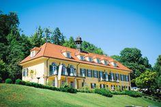 Aiola im Schloss, Graz - wedding location #rusticweddinginspiration Location, Mansions, House Styles, Home Decor, Graz, House, Decoration Home, Manor Houses, Room Decor