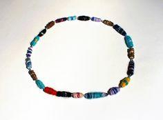 Collier en perles de laine multicolore et perles argent : Collier par une-fille-dans-le-vent