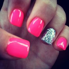 Cute summer nails that I love!!! You should try these colors together.