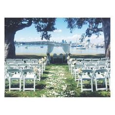 From one end to the other! Such a stunning location to have your ceremony. #matildaybay #weddingceremony #perthweddings #weddingstylists