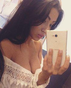 #mirroselfie #polishtits #polskadziewczyna #brunette #f4f #followme #Koszalin #naturalbeauty #longhair #polishgirl #sexy #sexygirl #instaphoto #lazyday #asiangirl #gypsy #asianeyes #me #polka Natural Beauty from BEAUT.E