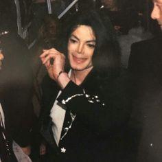 Mtv japan M.J Mike Jackson, Michael Jackson Funny, Photos Of Michael Jackson, Jackson Music, Beautiful Soul, Most Beautiful, I Call Your Name, Mj Bad, Love Your Smile