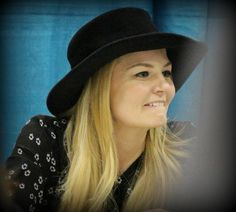 Katrina Tan @katmtan @jenmorrisonlive looking cute in that hat @FANEXPOVAN. Hope you had a great two days!!! #OUAT #OnceUponATime
