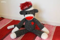 Amigurumi Sock-monkey – free pattern. Always thought these were kinda creepy.... I mean look at its dead face... but Just in case I ever have a friend who wants one.