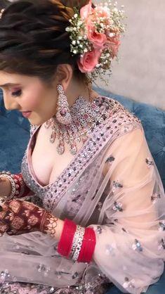 Bridal Hairstyle Indian Wedding, Indian Wedding Video, Pakistani Bridal Makeup, Indian Bridal Photos, Indian Bridal Hairstyles, Pakistani Wedding Hairstyles, Lehenga Hairstyles, Indian Bride Dresses, Indian Bridal Outfits