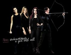 Art  Zoey Deutch  Vampire Academy  Rose Hathaway  Divergent  Tris Prior  The Mortal Instruments City of Bones  Clary Fray  The Hunger Games  Katniss Everdeen
