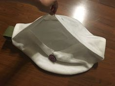 With my Arrietty dress finished, I had to move onto making her other accessories. First was her bag. It has an adorable, acro...