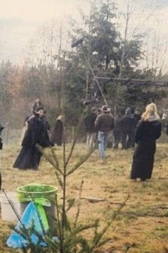 """The OUAT Cast filming 3x13 """"Witch Hunt"""" (November 25, 2013)"""