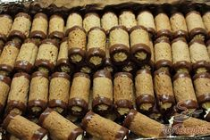 Christmas Sweets, Christmas Baking, Baking Recipes, Cookie Recipes, Deutsche Desserts, German Desserts, Salty Snacks, Hungarian Recipes, Cake Bars
