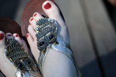 Cute DIY tutorial on making your very own Owl Sandals on My Owl Barn #DIY #owls #owl_sandals #my_owl_barn