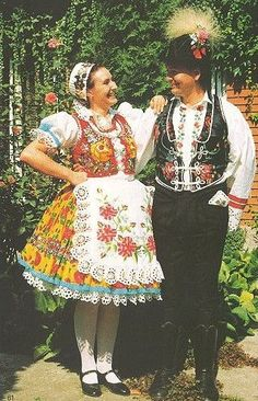 Banati népviselet - Hungary Hungarian Embroidery, Folk Costume, Budapest Hungary, Traditional Outfits, Romania, Embroidery Patterns, 1, Prom, Culture