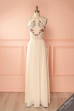 Cream floral embroideries and lace cut-outs halter gown - Robe longue licou crème à broderies florales et découpes de dentelle
