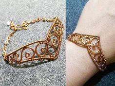 Bracelets inspired by Sailor Moon manga – making wire wrap jewelry 13 – AAB Schmuck und Ornamente Applikationen Bijoux Wire Wrap, Wire Wrapped Bracelet, Wire Bracelets, Bijoux Diy, Wire Earrings, Making Bracelets, Diy Schmuck, Schmuck Design, Wire Jewelry Designs