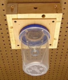 DIY - Carpenter Bee Trap These traps work great! Once one bee is caught . when dying sends off a scent that will attract other carpenter bees. These carpenter bees are so destructive to your home and wood decks wood structures! Set these traps Woodworking Projects Plans, Teds Woodworking, Wood Bee Trap, Diy Projects To Try, Wood Projects, Carpenter Bee Trap, Bee Traps, Wood Bees, Bee House