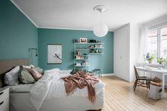 kleur slaapkamer blauw Bedroom Color Schemes, Bedroom Colors, Design Your Home, House Design, Dream Bedroom, White Walls, Decoration, Sweet Home, Gallery Wall