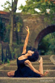 Yoga Calm Yoga Nature Yoga Mindfulness Zen Yoga Yoga Inspiration * - New Ideas Dance Photography Poses, Dance Poses, Fitness Photography, Yoga Dance, Ballet Dance, Yoga Inspiration, Fitness Inspiration, Yoga Pictures, Yoga Photos