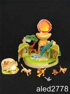 Rare Disney Vintage Polly Pocket Lion King Pride Rock Playset 100% Complete