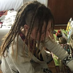 A popular approach to dreads hairstyles these days is to blend dreadlocks with an undercut or fade. These long dreads are simple and impressive. They also let you sport side swept locs as a style. Long Dreads, Dreadlock Hairstyles, Side Swept, Undercut, Dreadlocks, Popular, Sport, Female, Hair Styles