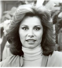 "Stefanie Powers - ) born Stefania Zofia Paul of Polish decent. Film, TV and stage performances. She had her own TV series with actor Robert Wagner called ""Hart to Hart"". She is an international guest speaker on wildlife preservation. Female Actresses, Actors & Actresses, Stephanie Powers, Human Doll, Old Tv Shows, Golden Age Of Hollywood, Beautiful Actresses, Face And Body, Photography Poses"