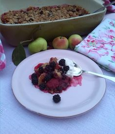 The best CRUMBLE WITH BLACKBERRIES, APPLES & WHIPPED CREAM check my recipe on http://marlenesmadblog.dk/