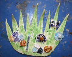 Co se děje v trávě. Glazovaná keramika. Vytvořili předškoláci v našem výtvarném kroužku Dj, Painting, Painting Art, Paintings, Painted Canvas, Drawings