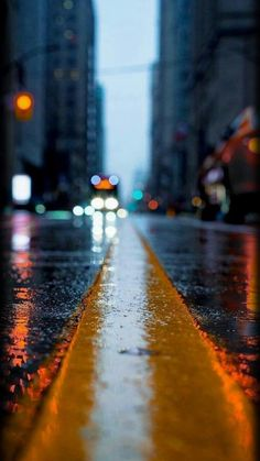 Creative Photography Ideas of The Day That Are Absolutely Awesome Pics) - Page 2 of 3 - Awed! Rain Photography, Creative Photography, Amazing Photography, Street Photography, Landscape Photography, Photography Ideas, Abstract Photography, Softbox Photography, Rainy Day Photography