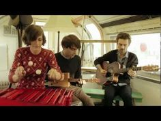 We met up with the beautifully charming Parisian Trio We Were Evergreen to listen to them perform an acoustic version of Summer Flings. Band Photos, Best Songs, Music Stuff, Music Is Life, Ukulele, Evergreen, Dancing, Summer, Films