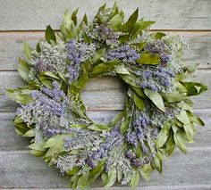Lavender and Bay Leaf Wreath-Made fresh and hang in laundry room, bathroom, guest room, or any room that needs some fresh ness. And it stays smelling good while it dries. with purple/blue hydrangea? Deco Mesh, Easter Wreaths, Christmas Wreaths, Christmas 2017, Lavender Uses, Lavender Wreath, Lavander, Shabby, Year Round Wreath