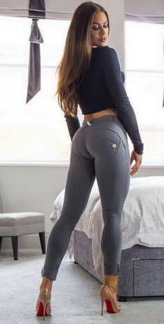 @pantstoreusaHow good does @jadekaty look in her Grey FREDDY WR.UP pants