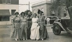 Ladies in Daniel Boone Days attire on East Spring Street, with the Boonville Post Office (at that time) visible right-rear. At left rear is the corner of the Mattingly's 510 store, with this part occupied by the Boonville Savings and Loan. Boonville Missouri, Historical Images, My Town, Sport, Post Office, Old Photos, Street, Day, Corner
