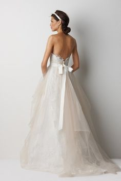 love the back of this wedding dress! @Margaret Langsdon one of the dresses we were trying to find where it was from