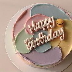 Pretty Birthday Cakes, Pretty Cakes, Beautiful Cakes, Happy Birthday, Mini Cakes, Cupcake Cakes, Simple Cake Designs, Korean Cake, Pastel Cakes