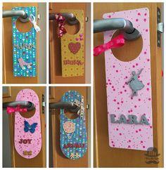 Colgador de puerta infantil con nombre decorado con decoupage