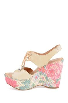 Madrid Wedge by BORN on @HauteLook   I NEED THESE!!!