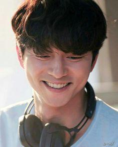 Asian Actors, Korean Actors, Goblin 2016, Goong Yoo, Finger Heart, Best Kdrama, Yoo Gong, Cute Actors, K Idols