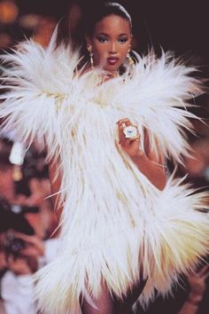 Naomi, Yves Saint Laurent Fall/Winter 1987 Haute Couture
