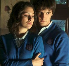 Image in el internado collection by Vanjo on We Heart It Spanish People, School For Good And Evil, Stydia, Tv Couples, Drama Series, Music Tv, Film, Movies And Tv Shows, Thriller