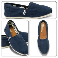 Navy TOMS shoes! Want!!