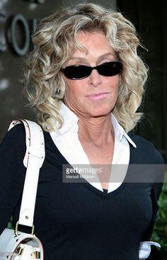 Actress Farrah Fawcett arrives for jury duty at Beverly Hills Municipal Court, on July 6, 2005 in Beverly Hills, California.