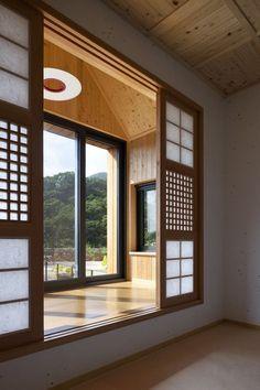 9 bay window ideas with modern interior design 3 Home Room Design, Dream Home Design, Home Interior Design, Kitchen Interior, Modern Interior, Asian Home Decor, Cheap Home Decor, Japanese Home Decor, Retreat House
